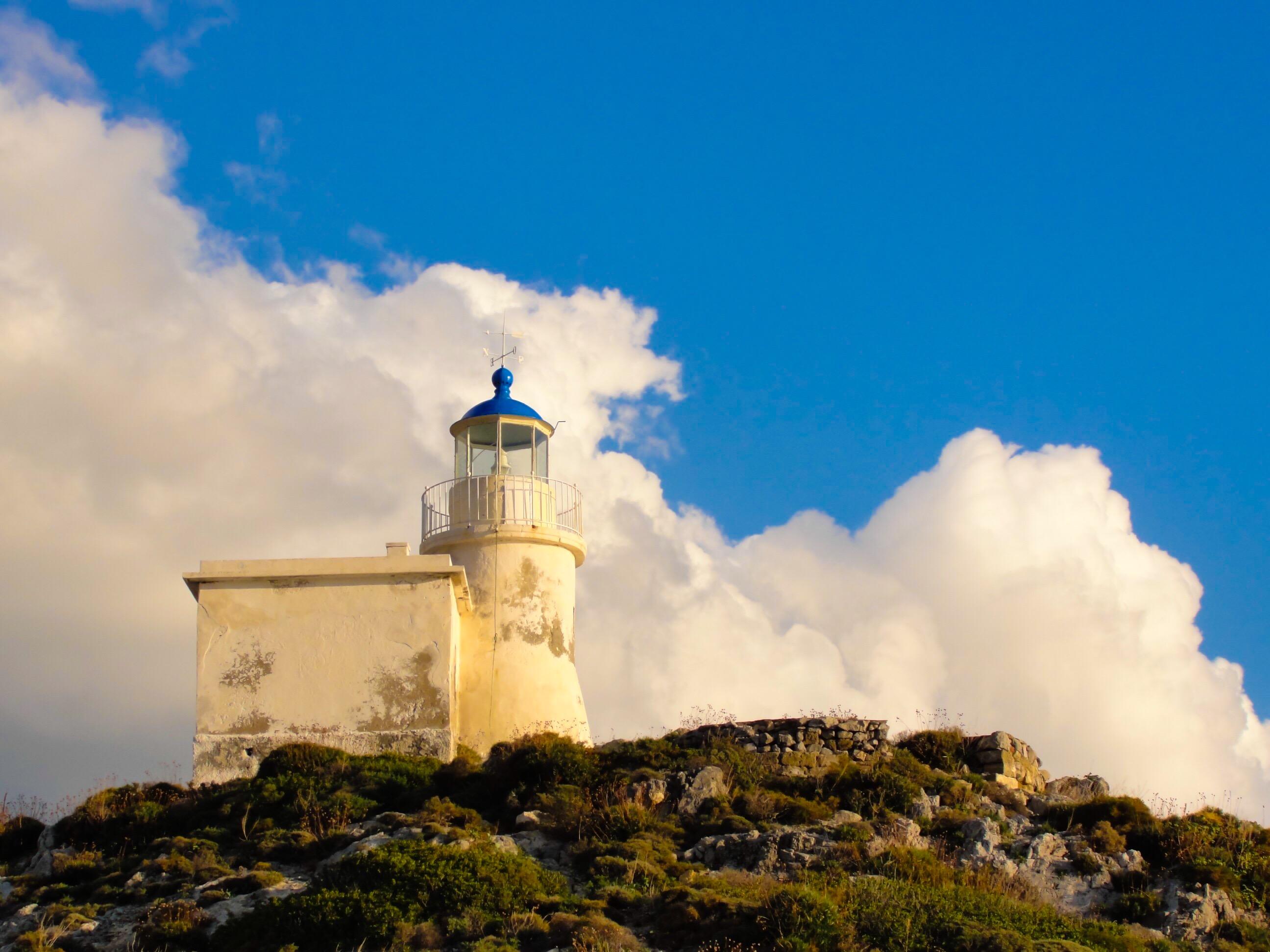Φάρος Καψαλίου / The lighthouse in Kapsali bay